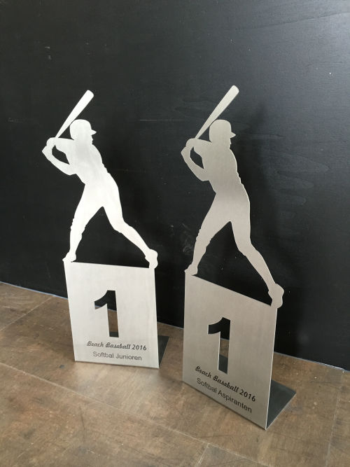 RVS trofee voor Beach Baseball